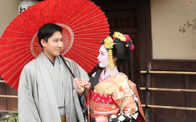大人のためのクリスマス・バレンタインデートに京都はいかがですか?★ひそかに憧れている!?ご夫婦で一緒に楽しんでいただけるカップル撮影プラン人気の理由は??舞妓体験処 ぎをん 彩でお二人の記念日デートを一生ものの思い出に!