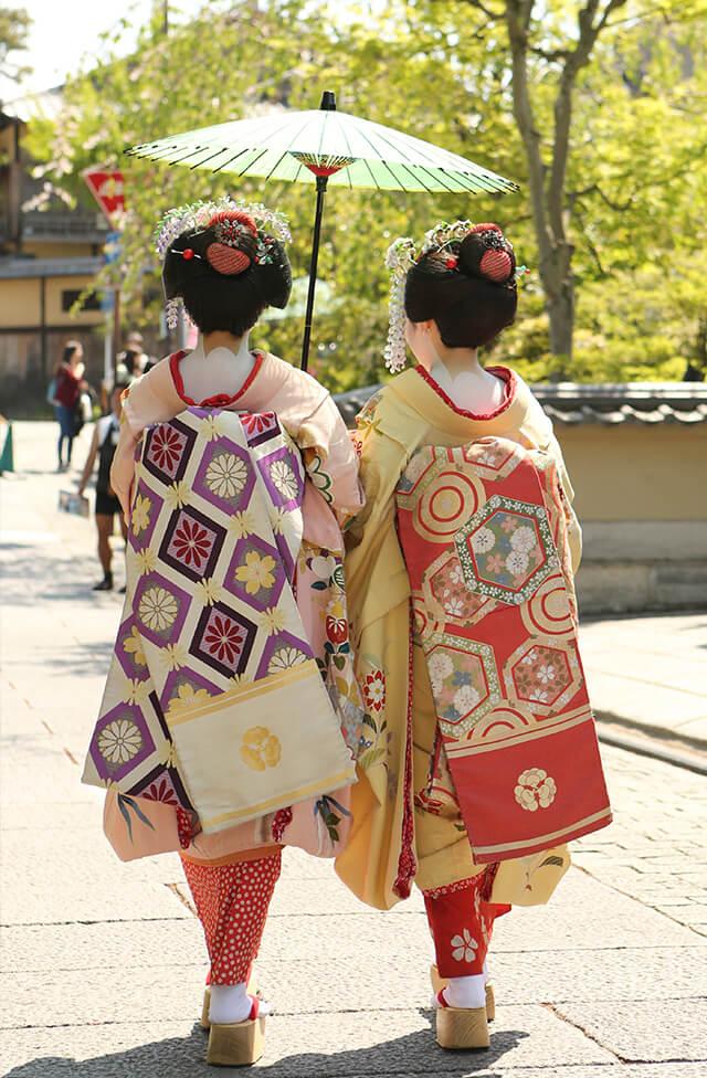 春の京都で舞妓体験