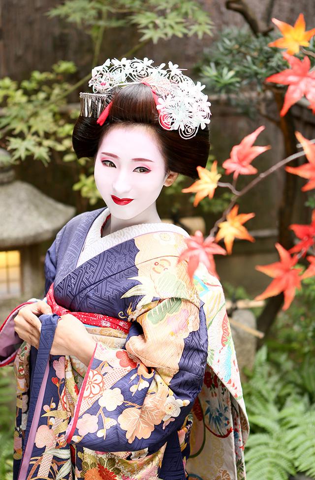 秋の京都で舞妓体験