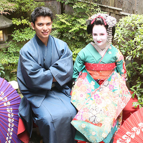 Maiko and Geisha makeover Couple Courtyard course