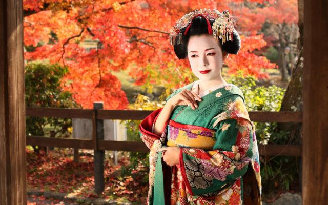 この秋は京都の秋満喫!!!紅葉舞妓体験旅行に決まり!!!♡つい行きたくなる京都の秋で舞妓体験とは…(?)